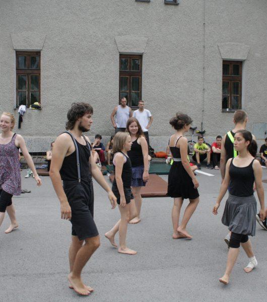 Nouveau séjour pour cet été ! Du 14 au 23 août, rencontre franco-allemande-ukrainienne autour du théâtre à Lviv (Ukraine)à Lv